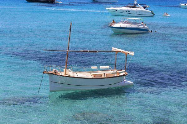 Primaboats Venta Y Alquiler De Barcos Y Embarcaciones En Mallorca Boat Hire Mallorca Bootsverleih Mallorca
